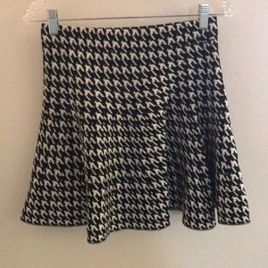 Fit and flare skirt, hounds tooth